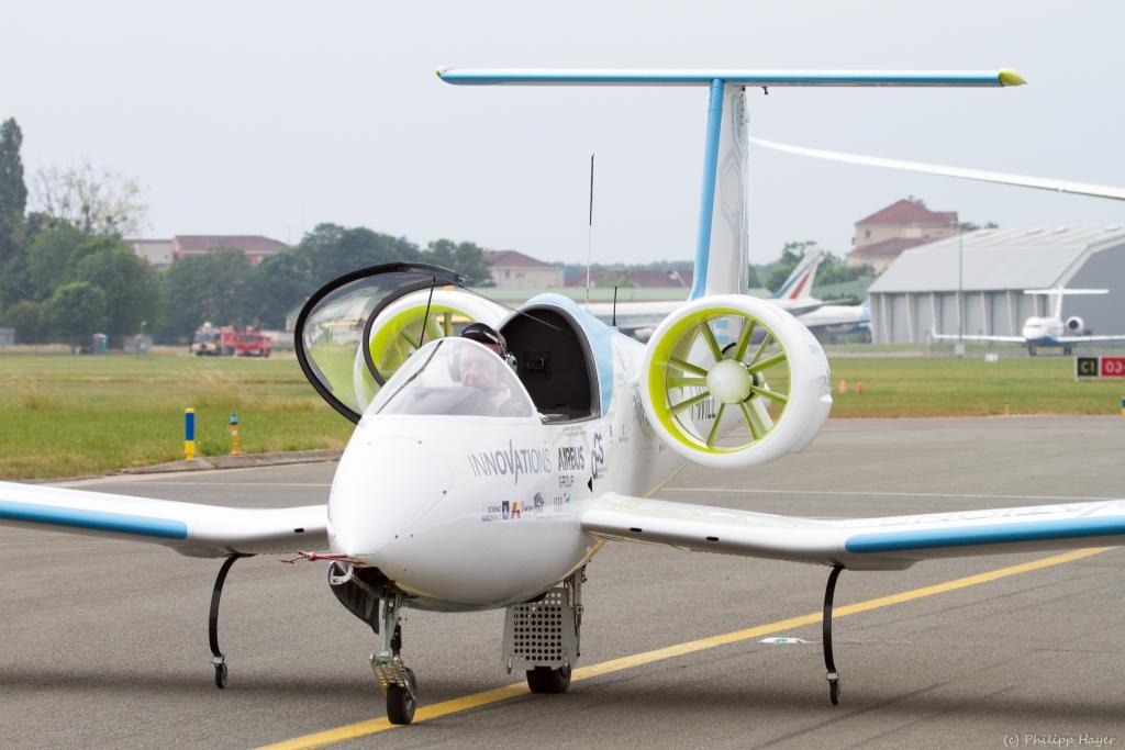 Paris air show 2015 for Air show paris 2015